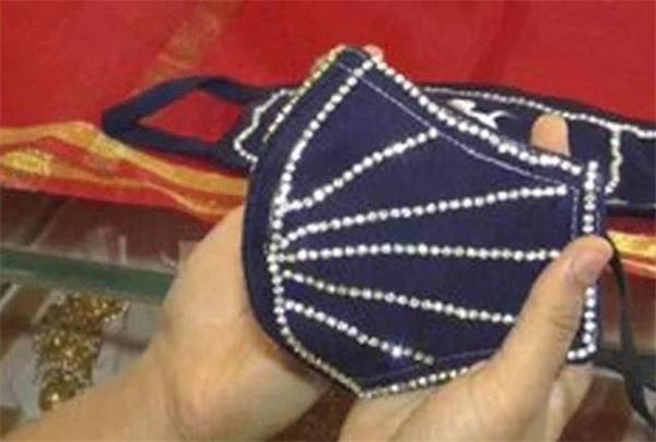 镶3600颗钻!打造150万美元的超豪华口罩为哪般?5