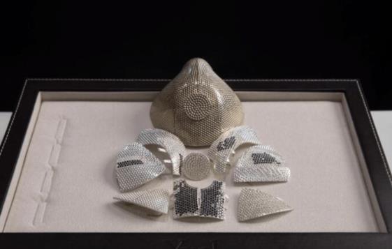 镶3600颗钻!打造150万美元的超豪华口罩为哪般?7