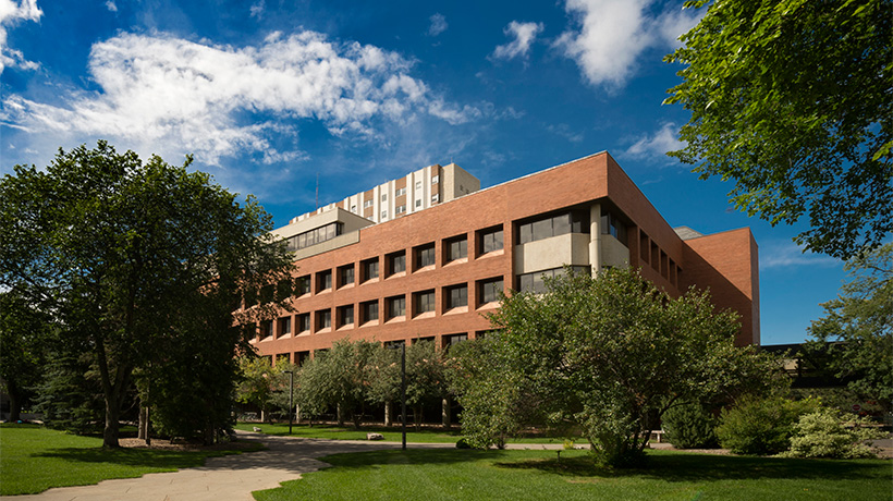 加拿大 2016 十佳 MBA.jpg