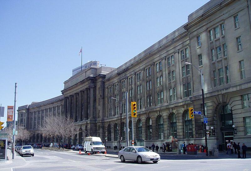 加拿大地产商  联邦政府 办公大楼 搬家
