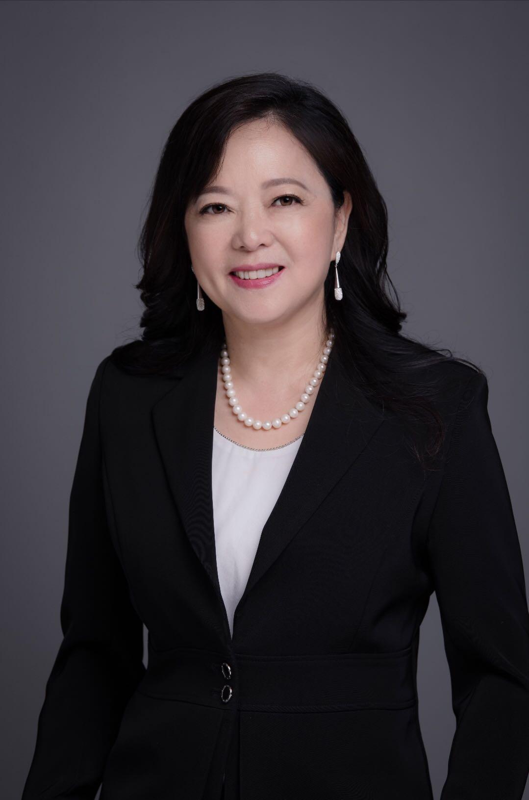 迎战2019年联邦大选的女中豪杰——黄幸来博士