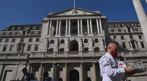 可怕!英国央行考虑负利率!负利率对经济和房地产的影响有多大?4