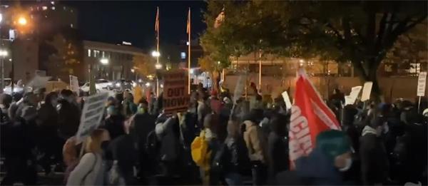 多地爆发示威游行!美国大选得民众票多者未必最后胜出2
