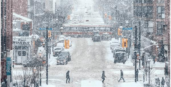 大雪导致33宗交通事故!周二还将持续降雪!加拿大冰雪道路驾车秘笈1