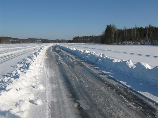大雪导致33宗交通事故!周二还将持续降雪!加拿大冰雪道路驾车秘笈3