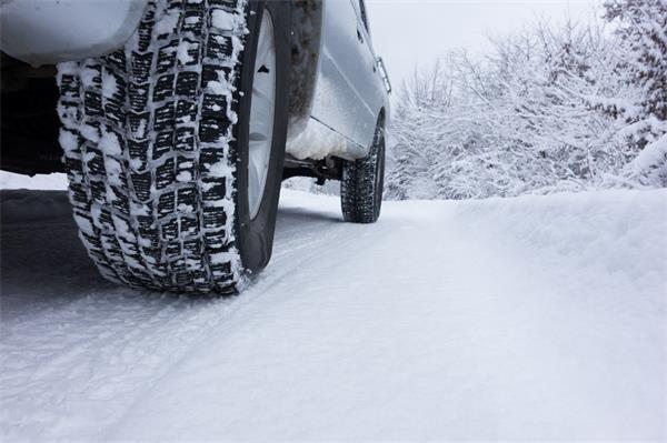 大雪导致33宗交通事故!周二还将持续降雪!加拿大冰雪道路驾车秘笈4