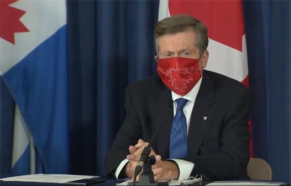 政府警告出国后恐难回国!入境加拿大需检测报告!安省财长违规遭指责5
