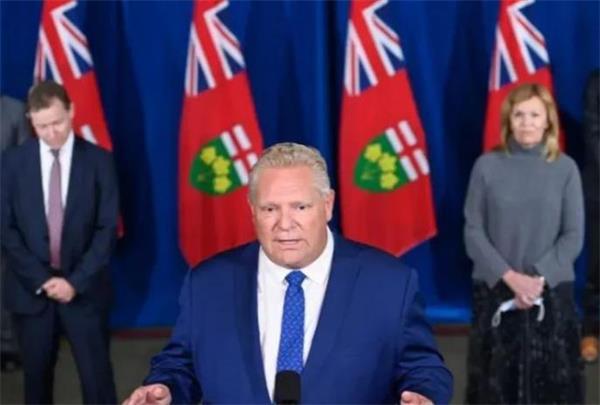 政府警告出国后恐难回国!入境加拿大需检测报告!安省财长违规遭指责6