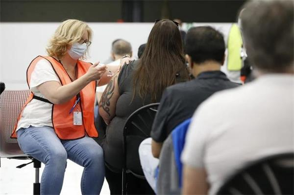 建立北美疫苗护照制度!安省居家令将延至6月!民众期望开放美加边境8