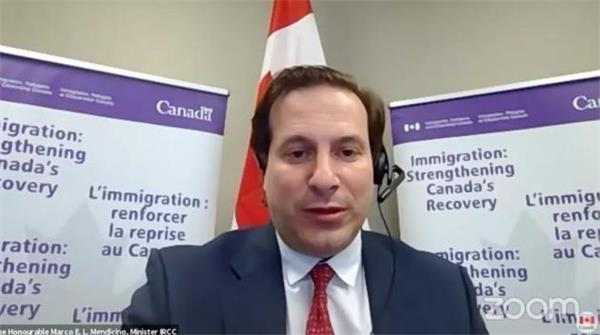 150万人疯抢!导致网站两度瘫痪!加拿大政府越来越青睐国际留学生4