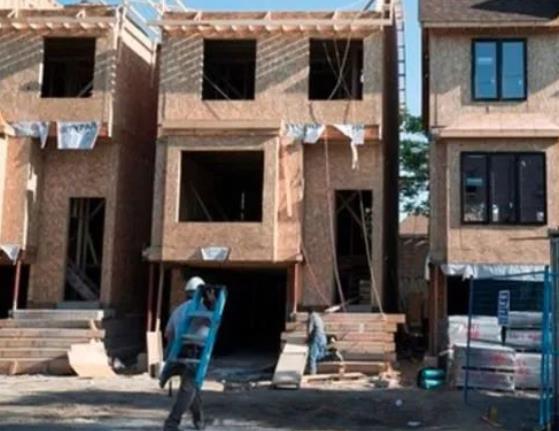 加拿大房价飞涨!千禧一代年轻人想买房难上加1