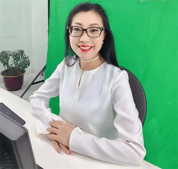 华人女性之光!恭喜Maria校长荣获5
