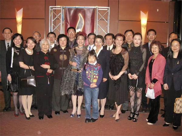 华人女性之光!恭喜Maria校长荣获17