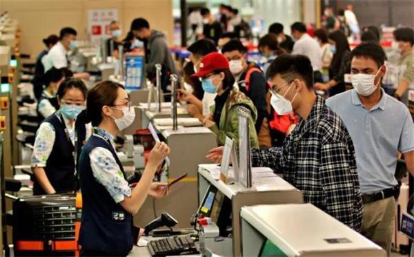 拼了!英国多所大学准备包机接中国留学生赴英国学习4