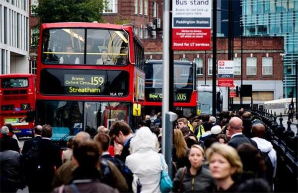 杀回伦敦!逃离城市中心的年轻人正在返回途中4
