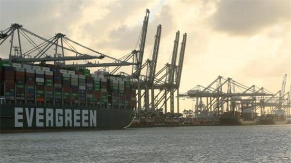海淘吗?海运价格爆涨!全球港口货轮大堵塞4